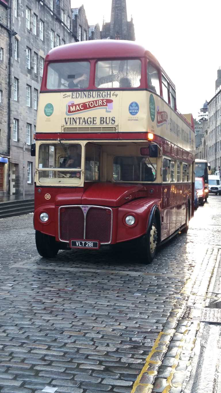 vintage-bus-edinburgh